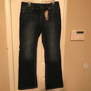 Maurices Kaylee Original Fit Boot Cut Jeans 9/10